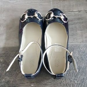 Gucci navy blue flat shoes